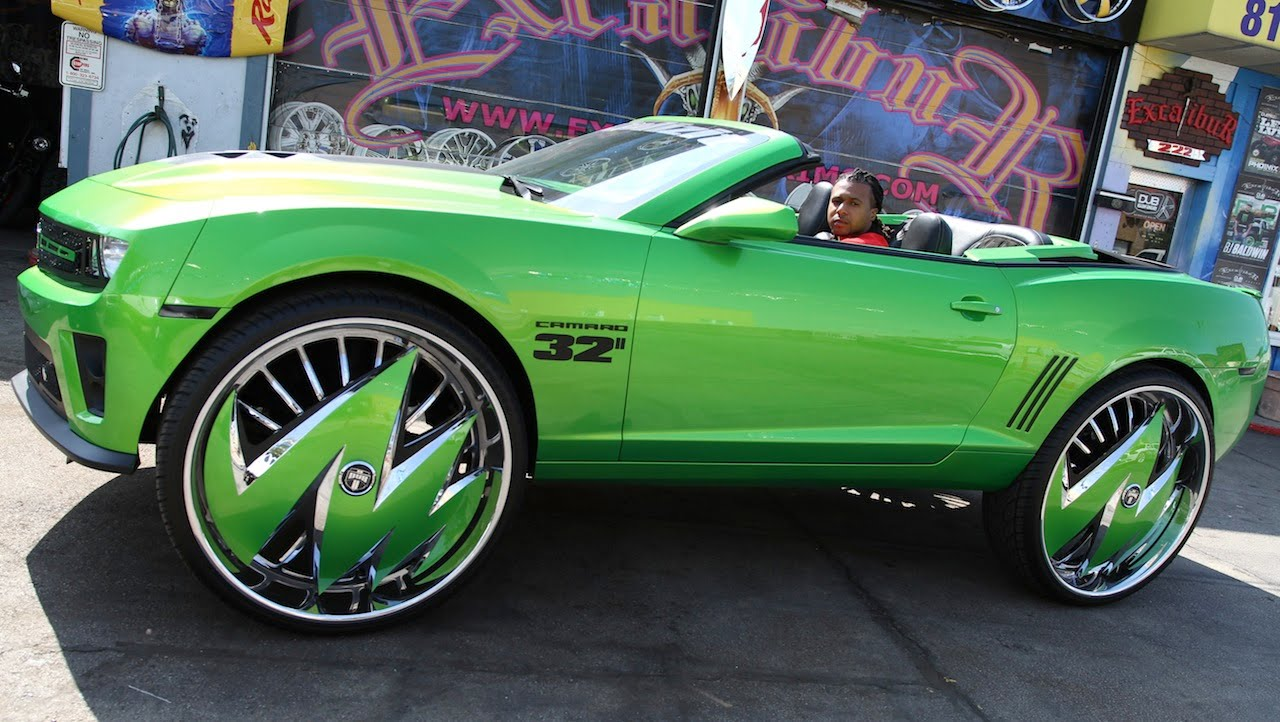 Chevy Muscle Cars >> Green Camaro Sits On Massive 32-inch Rims!