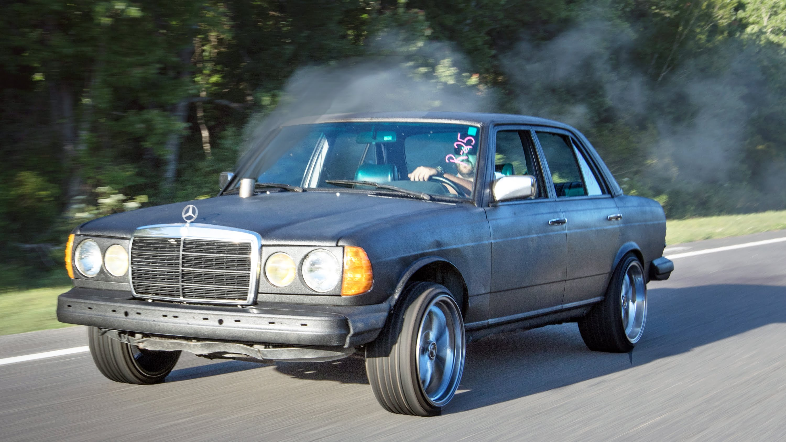 This Rolling Coal Mercedes Owns The Drag Racing Strip Like The ...