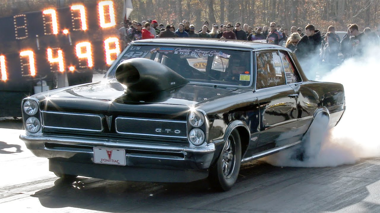 Stunning Pontiac Gto Making A Lot Of Noise On The Track