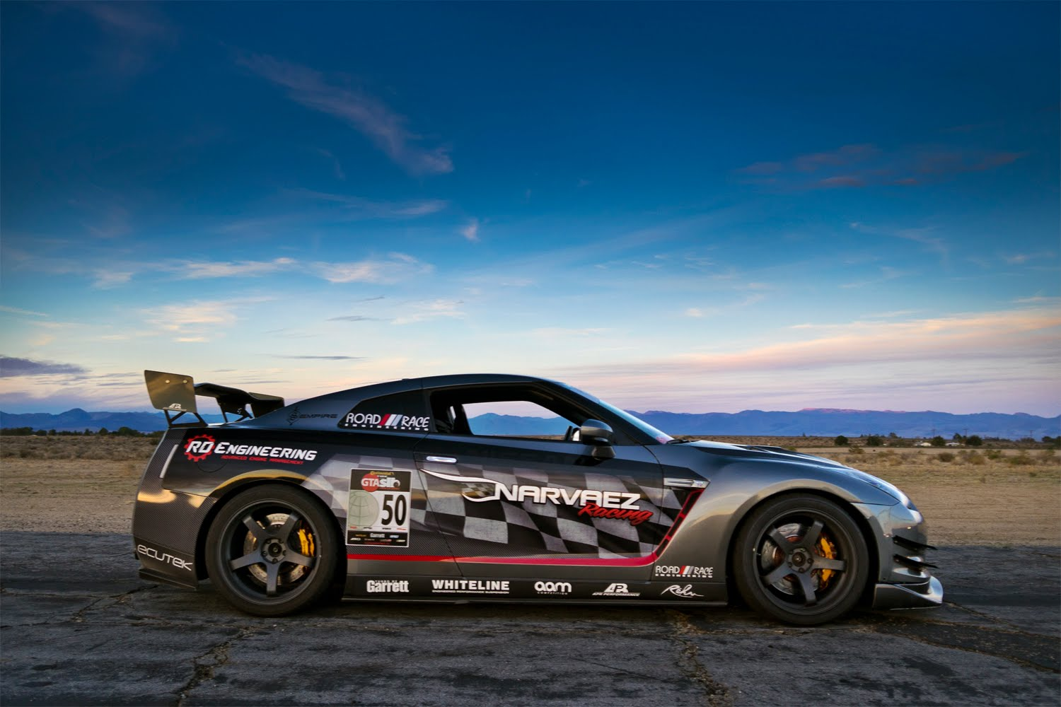 Check Out Some Awesome Tuner Cars And A Nissan Gtr Challenge To Top
