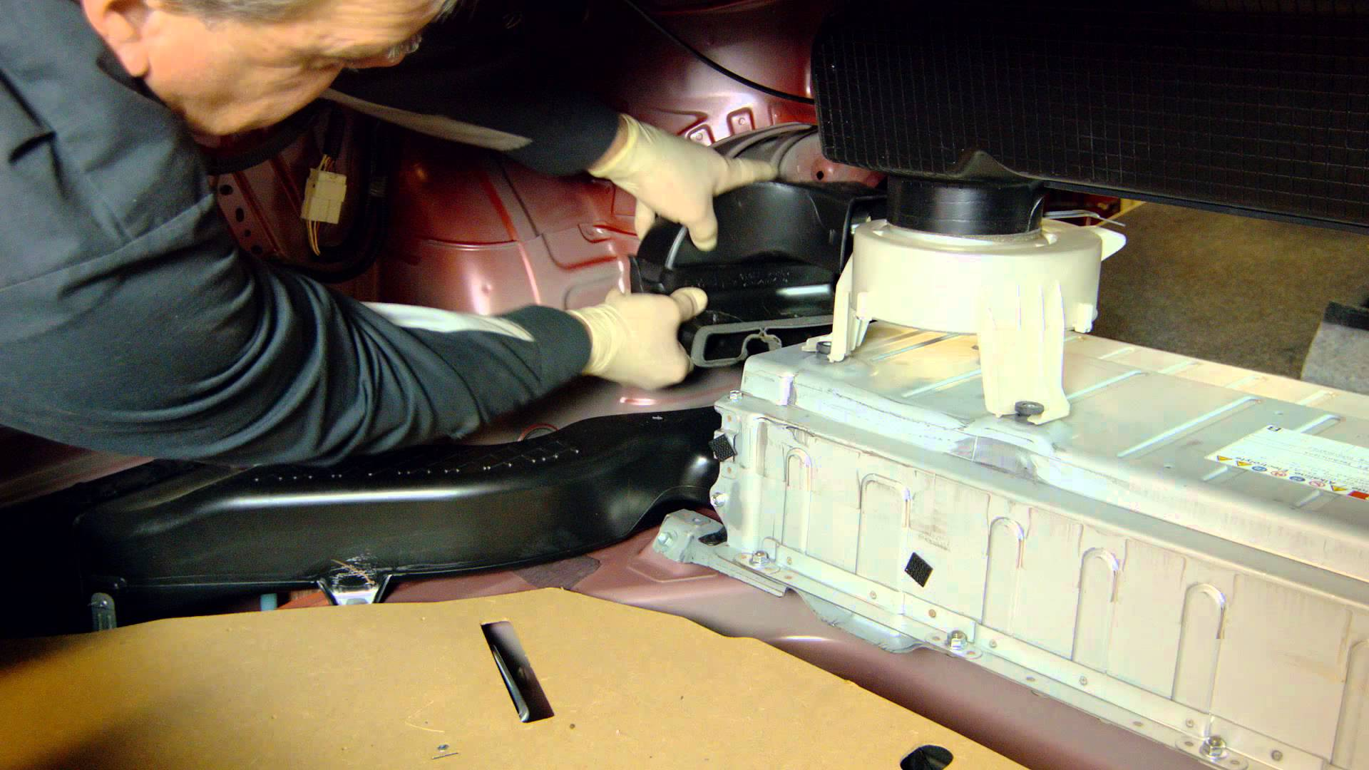 man fixes camry 39 s hybrid battery pack himself for 10 toyota wanted 4 456. Black Bedroom Furniture Sets. Home Design Ideas