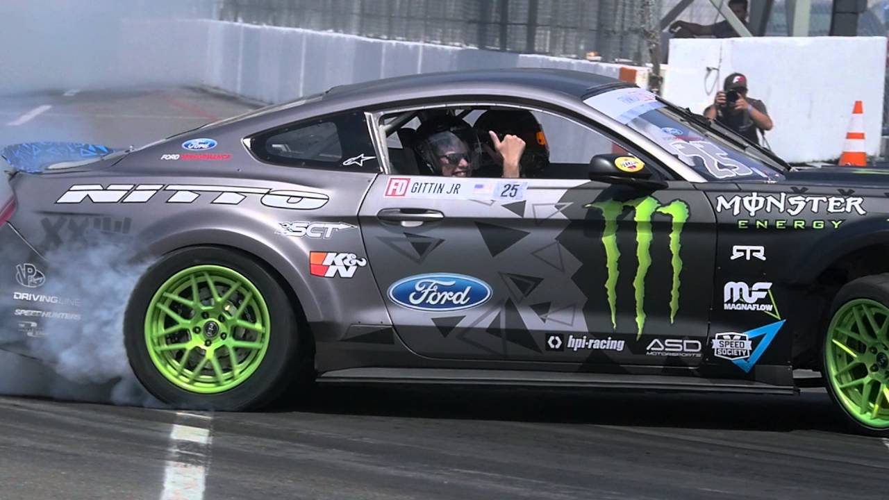 Vaughn Gittin Jr.'s 900 HP Mustang DOMINATES At The Formula Drift Media Day! WILD!