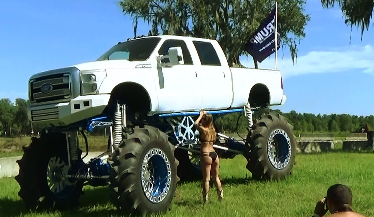 This Mud Boggin Bling Machine Monster Truck Costs $ 1Million, You Can't Have One!